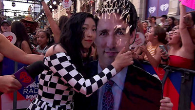 Awkwafina Meets Justin Trudeau | 2018 iHeartRadio MMVA Red Carpet