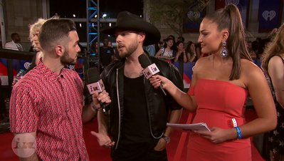 Brett Kissel Recalls a Flirty Fan Interaction  | 2018 iHeartRadio MMVA FORA Fashion Feed