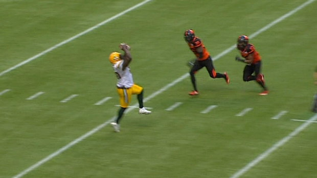 CFL Must See: Esks pull off fake field goal; Reilly punches it in