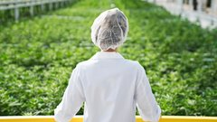 Aphria posts second consecutive quarterly profit despite industry struggles