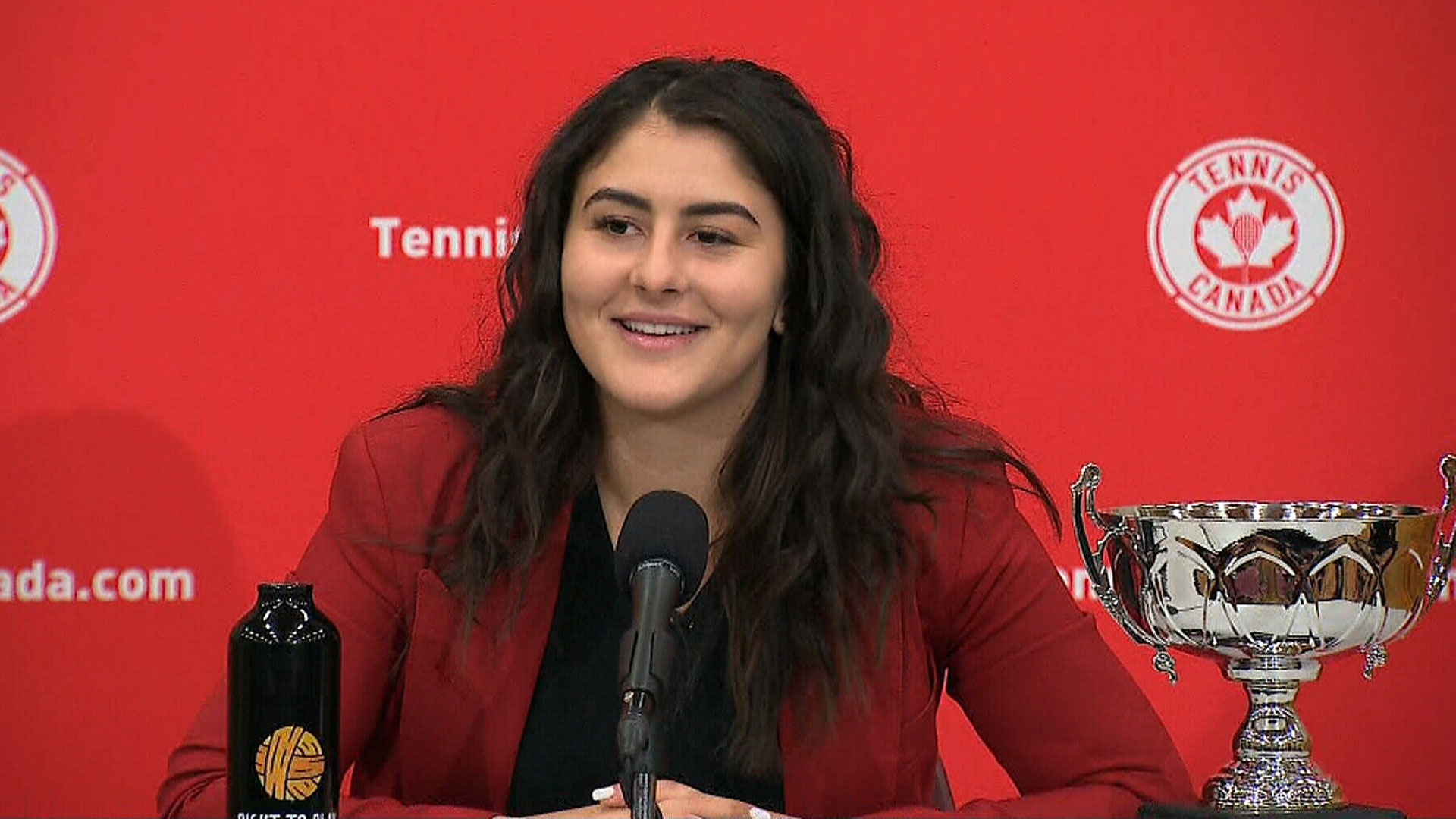 Andreescu receives Lou Marsh Trophy, reflects on 'Cinderella' 2019 season