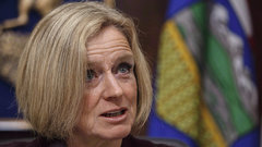 Notley to provide update on her crude-by-rail plan