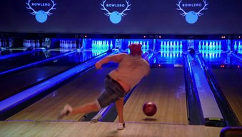 Watch Bowling for Kisses
