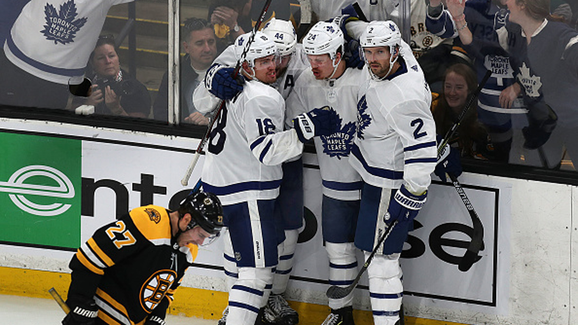 McKenzie: Leafs have played a more confident brand of hockey compared to last year