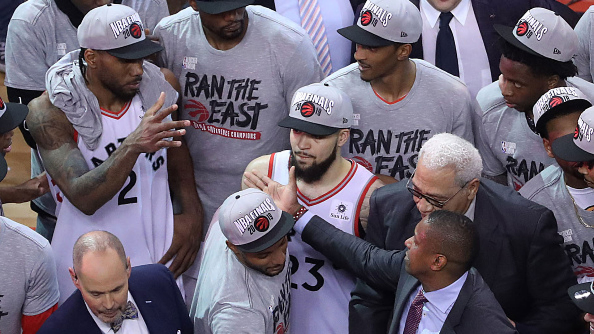 c05dfdae9 Is Kawhi more or less likely to stay with Raptors now? - Video - TSN