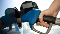 Expect gasoline prices to ease amid trade uncertainty: McKnight