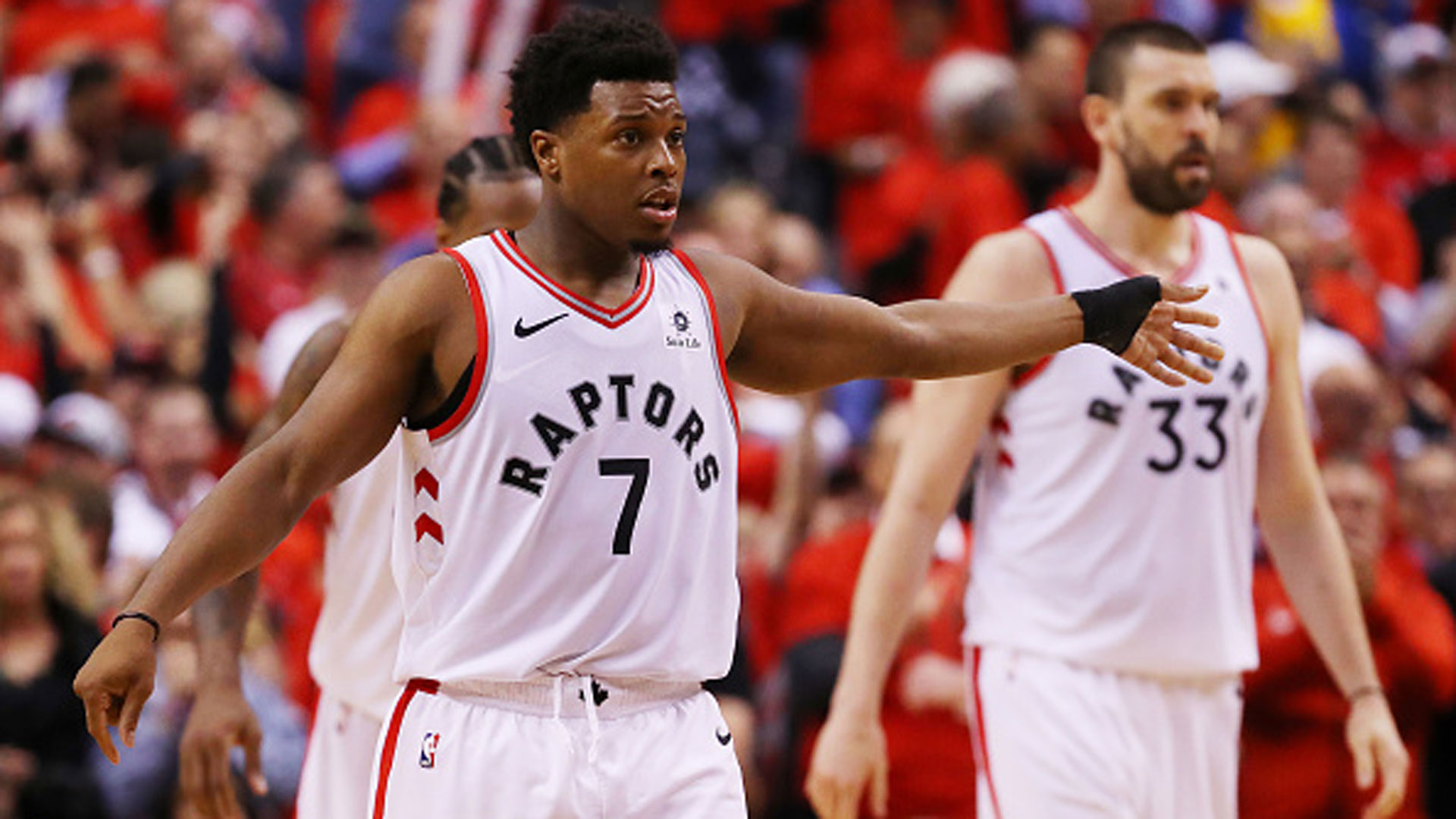 Report: Lowry says he's had no conversations with Raps on future
