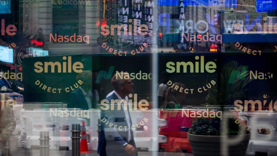 Smile Direct Club tanks in market debut - Video - BNN