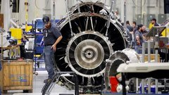 Trump Says China Should Be Allowed to Buy U.S. Jet Engines
