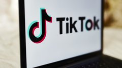 Trump targets Tik Tok, WeChat in new ban