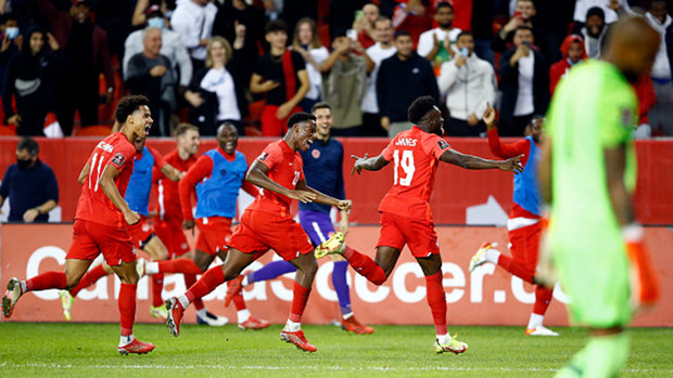 Davies produces signature moment to help lift Canada to  massive victory over Panama