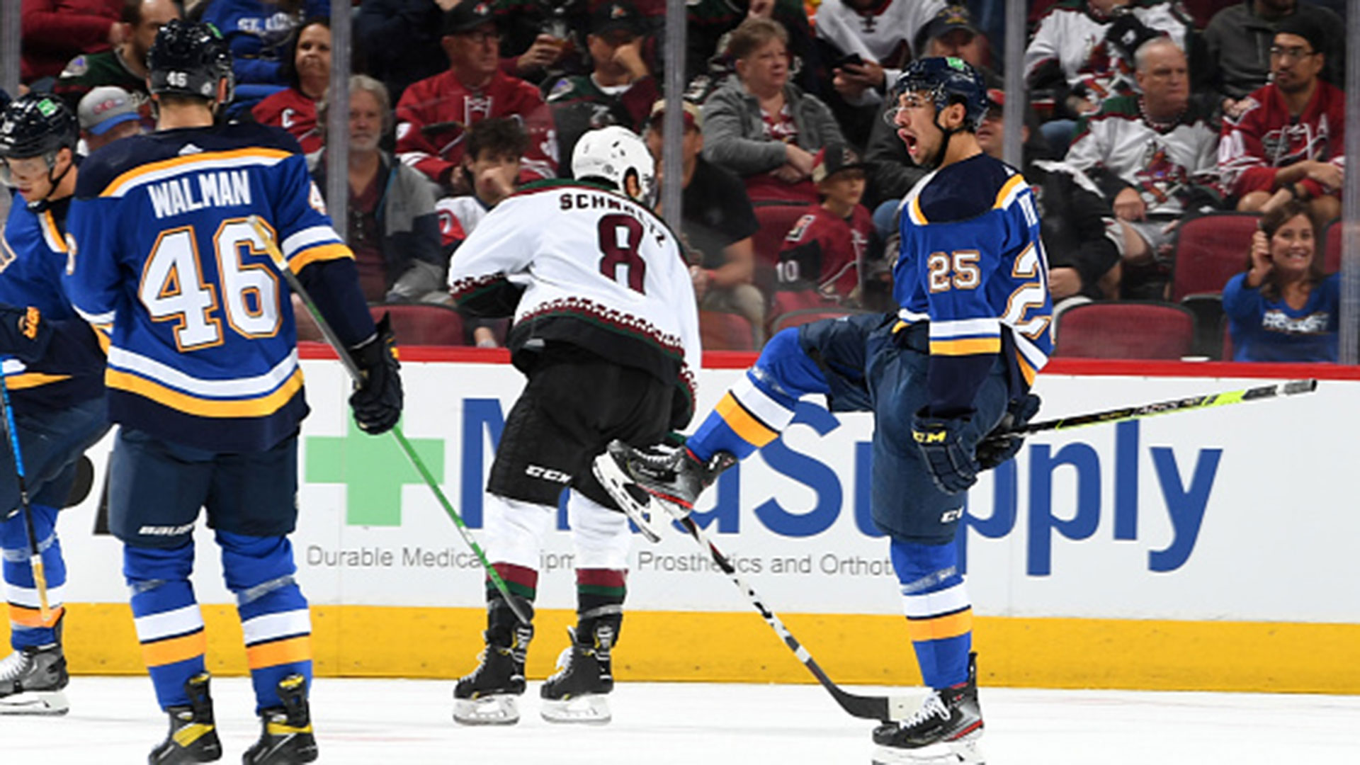 NHL: Blues 7, Coyotes 4