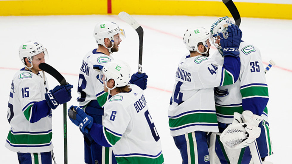 Pettersson, Canucks gearing up for home debut against Wild