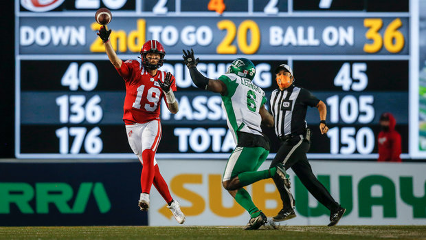 Mitchell starts hot, Stampeders hold off Roughriders' late rally