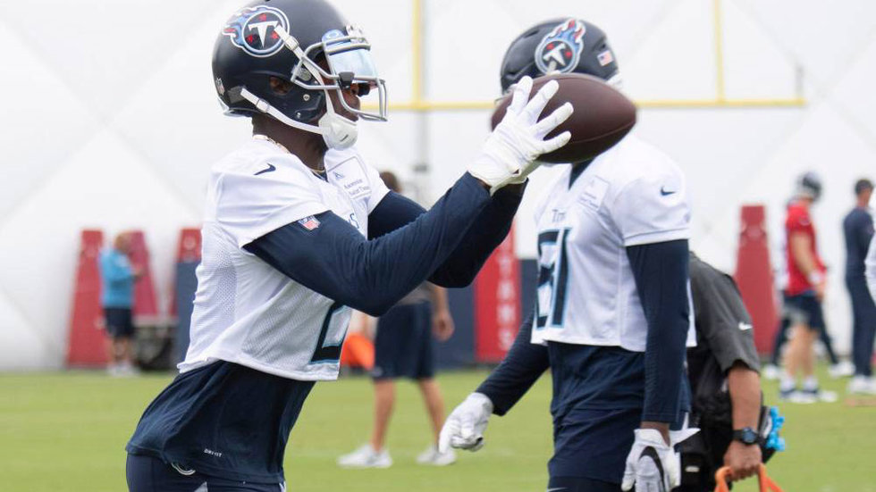 Julio Jones practices for first time as member of Titans
