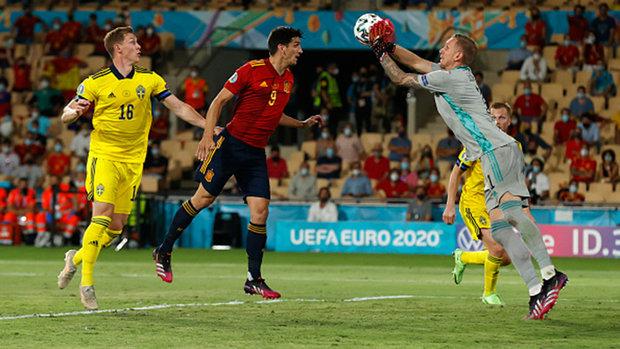 Stalwart Sweden frustrate Spain to earn deserved point