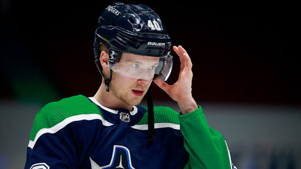 Top prospect Johnson draws inspiration from watching Canucks' Pettersson