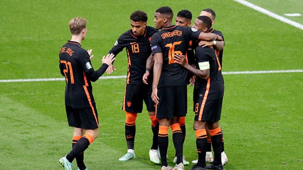 Confident Dutch head into Round of 16 with offence flowing