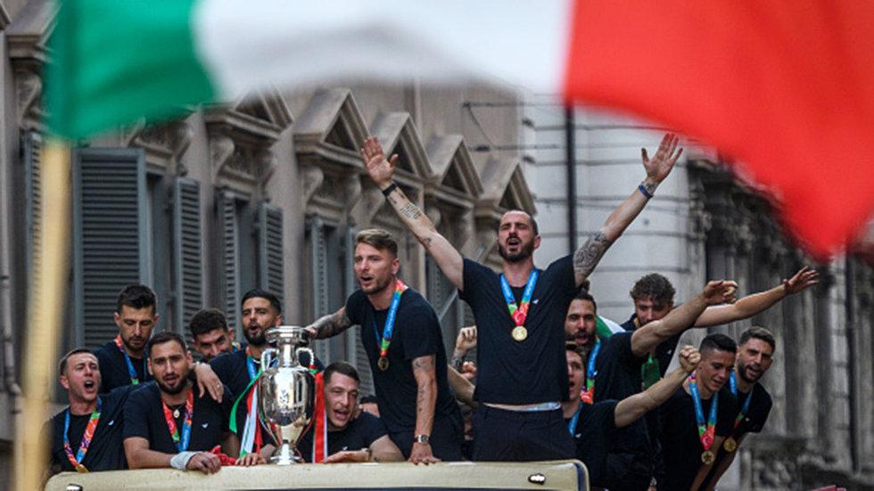 Italy celebrates Euro 2020 victory over England with a parade through Rome