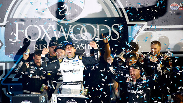 NASCAR Cup Series: Foxwoods Resort Casino 301