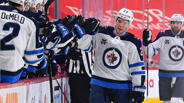 Button: 'Jets are moving in the right direction'