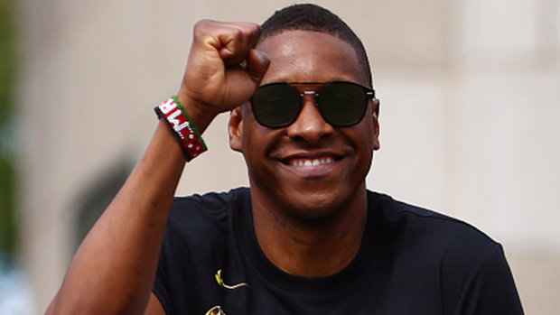 Should Raptors fans be concerned that Masai Ujiri still hasn't signed an extension?