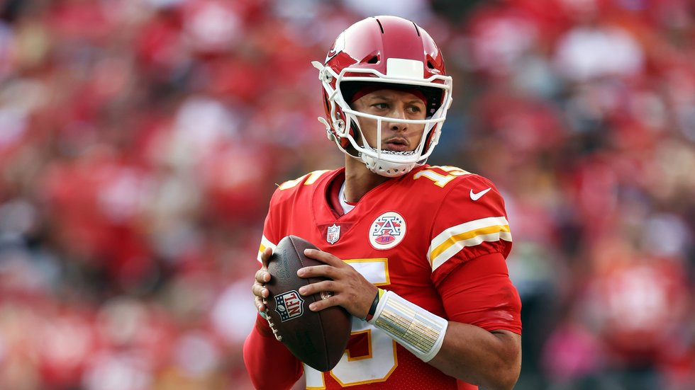 Will Mahomes and Chiefs take care of banged-up Ravens?