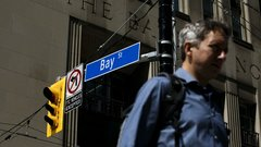It's a terrible idea for the Liberals to tax the banks: Portfolio manager