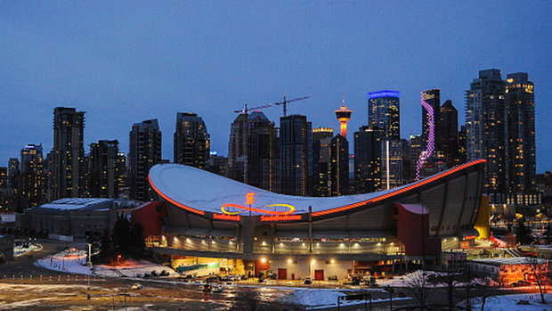 Westhead: Experts say Oilers and Flames' plan for full capacity is a mistake