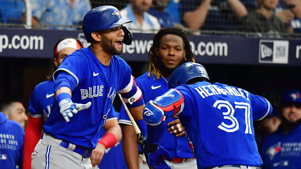 Does Gurriel Jr's injury hurt the Jays playoff chances?